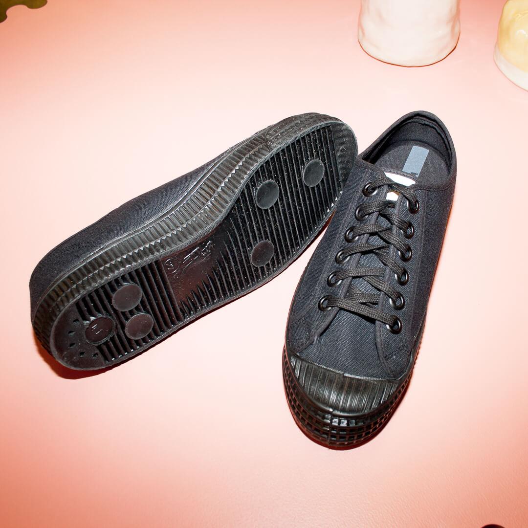 Svart Sneaker stl 41 Novesta